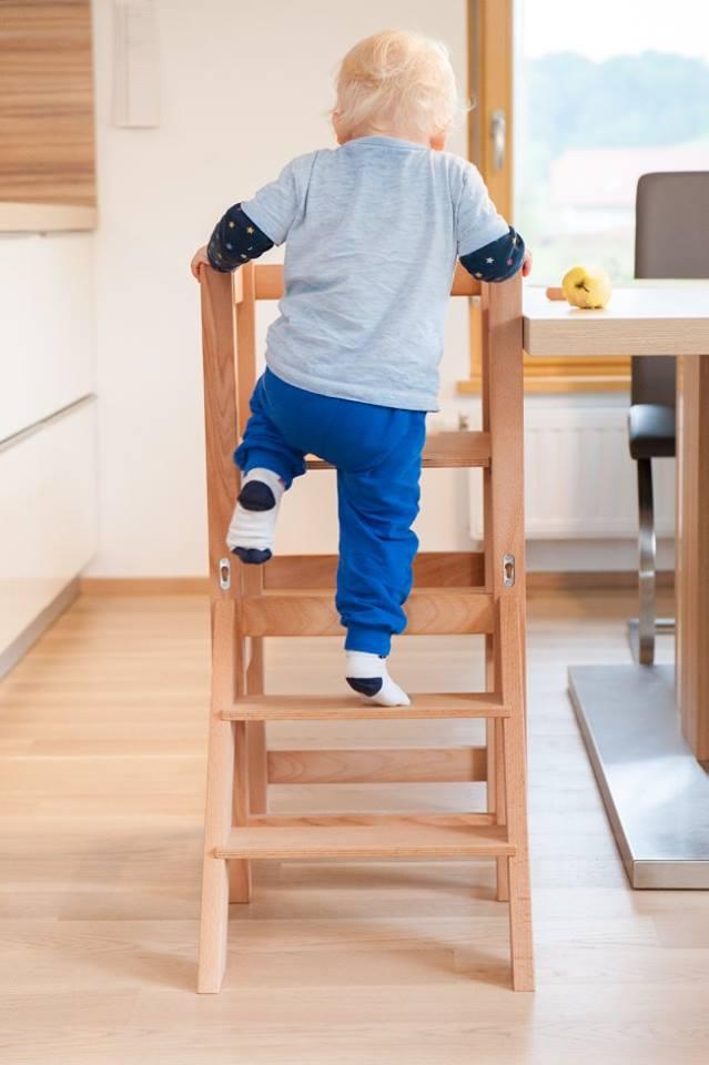stolček za hranjenje enostavno za najmlajše